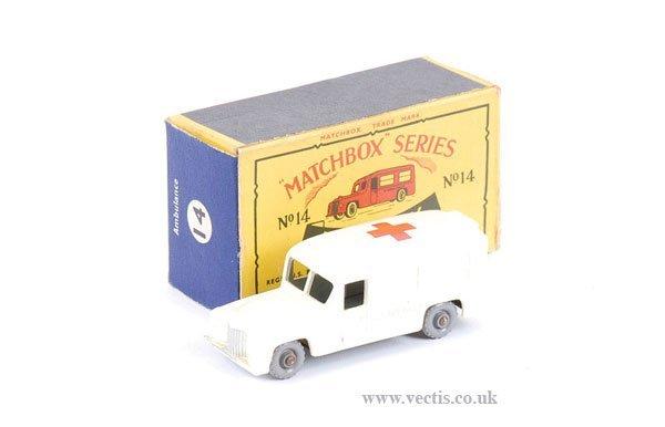 "1008: Matchbox No.14b Daimler ""Ambulance"""