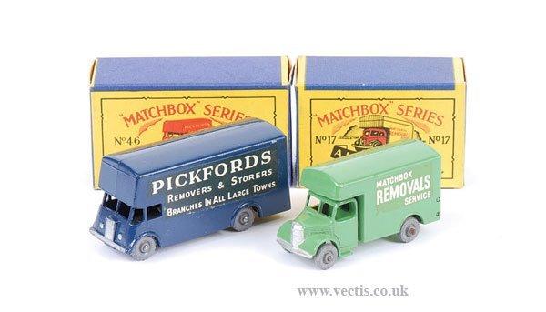 """1010: Matchbox No.17a Bedford """"Matchbox Removals"""" Van"""
