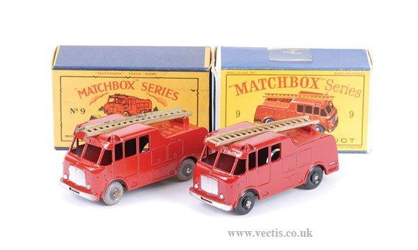 1023: Matchbox No.9c Merryweather Fire Engine x 2