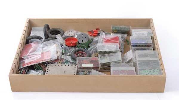 4004: Meccano - A Quantity of Components