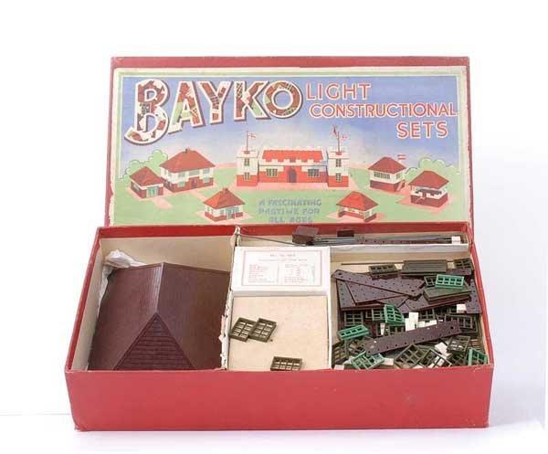 4012: Bayko Pre-war Light Construction Set No.2A