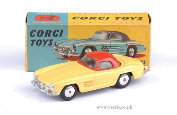2260: Corgi No.304 Mercedes Benz Hardtop Roadster