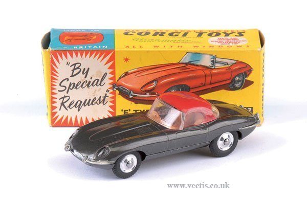 2265: Corgi No.307 Jaguar E Type