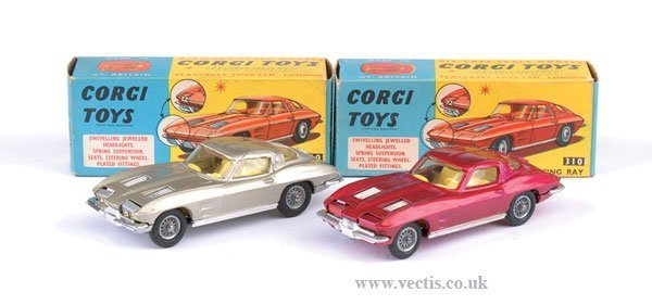 2270: Corgi No.310 Chevrolet Corvette x 2