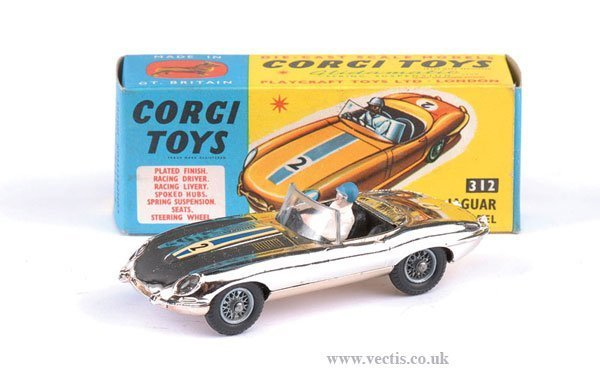 2272: Corgi No.312 Jaguar E type Competition