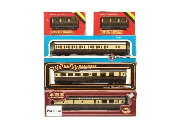 1014: OO Gauge GWR Brown & Cream Rolling Stock