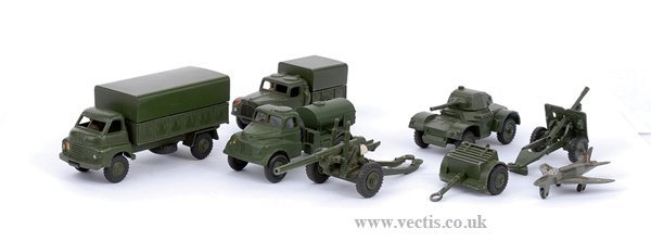 2015: Dinky - A Group of Unboxed Military Vehicles