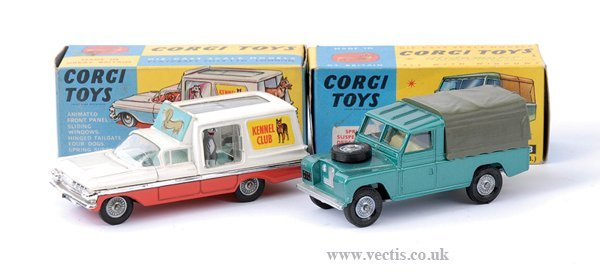 3013: Corgi No.438 Land Rover & Others