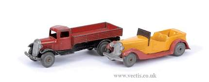 3391: French Dinky No.25A Wagon & No.25G Sports Car