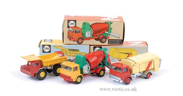4016: Siku No.V249 Faun Dump Truck & Others