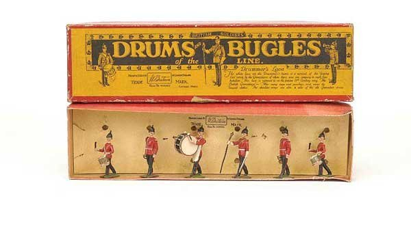 2018: Britains - Set 30 - Drums & Bugles of the Line
