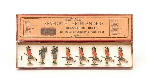 2394: Britains - Set88 - Seaforth Highlanders Charging