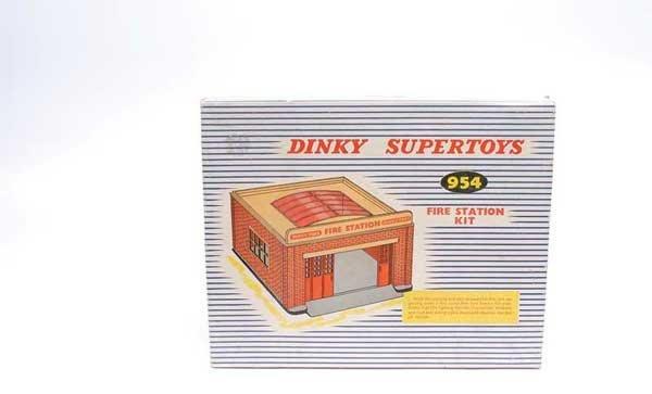 3002: Dinky No.954 Fire Station Kit