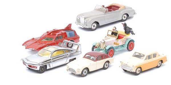 3015: Dinky - A Group of Cars and Novelty Vehicles