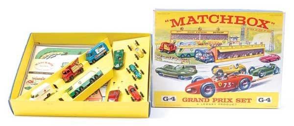 """3316: Matchbox G4 """"Grand Prix Race Track"""" Gift Set"""