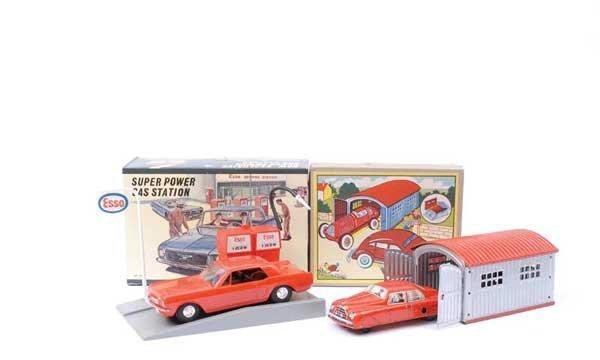 4005: Huki (Germany) or similar Car in Garage