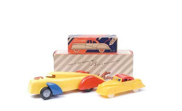 4006: Renwal (USA) - A Pair of Plastic Cars