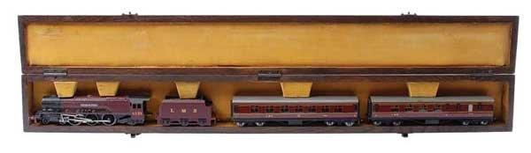 5431: Hornby Dublo Meccano represented Display Case