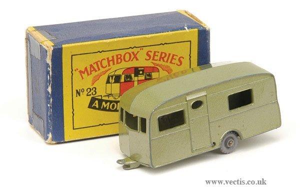 1008: Matchbox No.23b Berkeley Caravan