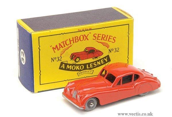 1013: Matchbox No.32a Jaguar XK140