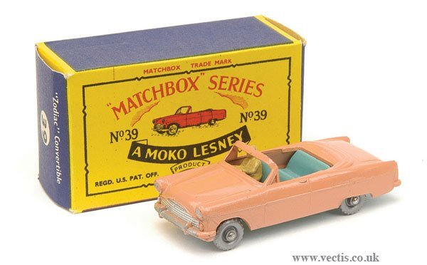 1014: Matchbox No.39a Ford Zodiac Convertible