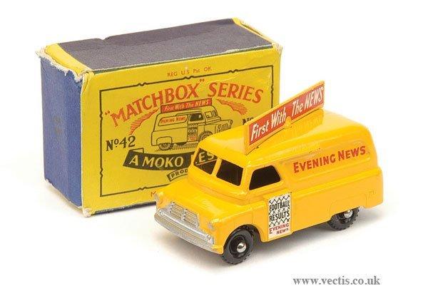 "1015: Matchbox No.42a Bedford ""Evening News"" Van"