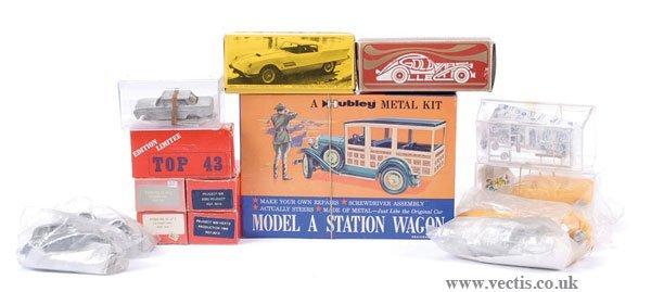 2002: Hubley - A Group of Metal, Resin Kits