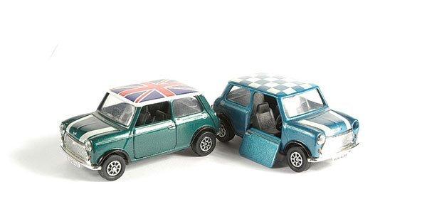 3009: Corgi - A Pair of Minis