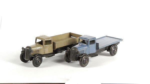 3018: Dinky - A Pair of 25 Series Lorries