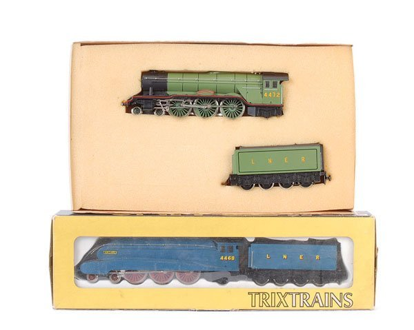 4021: Trix 2-rail LNER 4-6-2 Steam Locos x 2