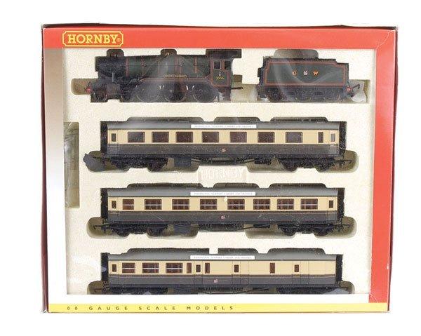 4024: Hornby R2025 GW Express Passenger Train Pack