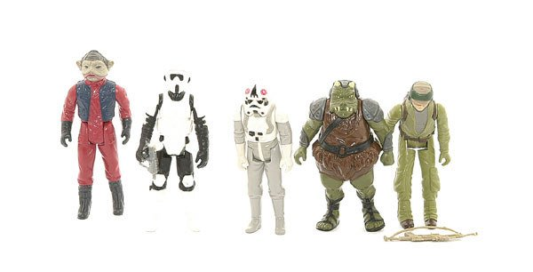 3022: A collection of loose Star Wars action figures