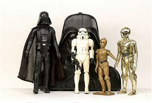 A small group of vintage Star Wars items