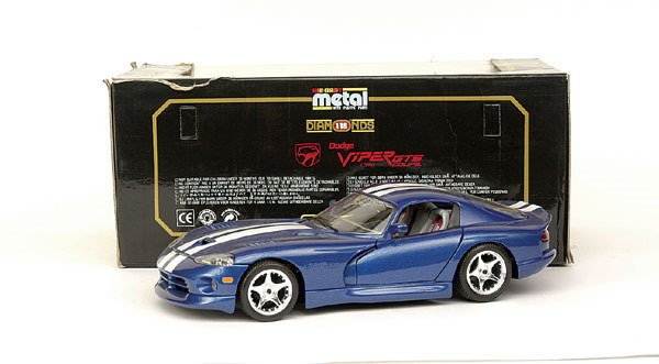 5018: Bburago No.3030 Dodge Viper GTS Coupe