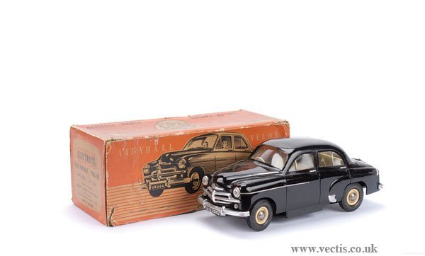 1002: Victory Industries 1/18th scale Vauxhall Velox