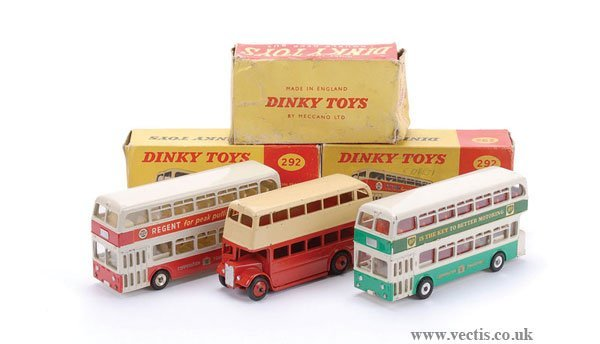 2009: Dinky - A Group of Double Decker Buses
