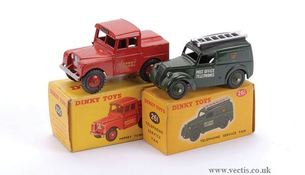 2017: Dinky Police Van and Telephone Van
