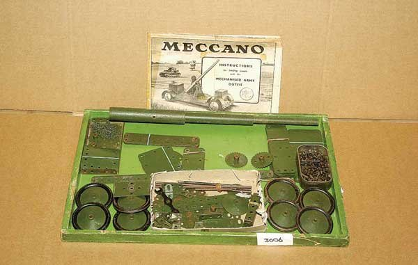 3006: Meccano - A Quantity of Mechanised Army Parts