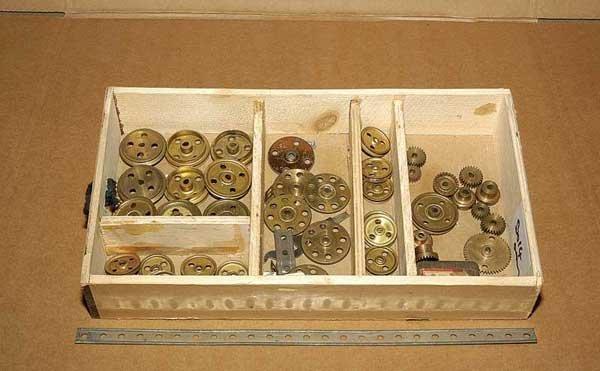 3014: Meccano - Mechanics Made Easy Gears