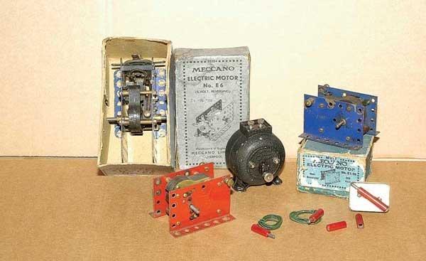 3017: Meccano - A Quantity of Electric Motors