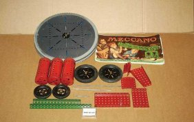 Meccano - A Quantity Of Red & Green Components