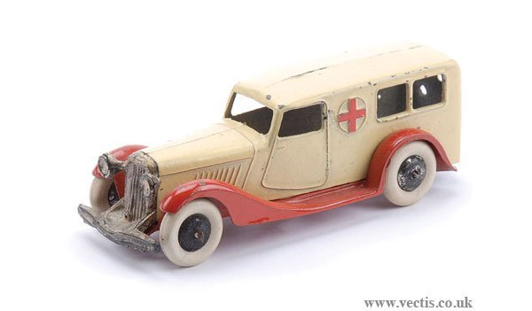 9: Dinky Pre-war No.24A Ambulance