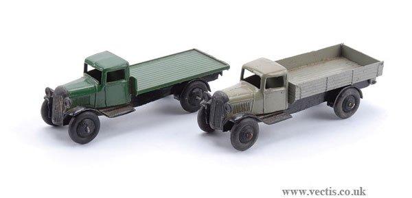 1001: Dinky - A Pair of 25 Series Lorries