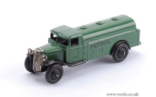 1003: Dinky No.25D Petrol Tank Wagon