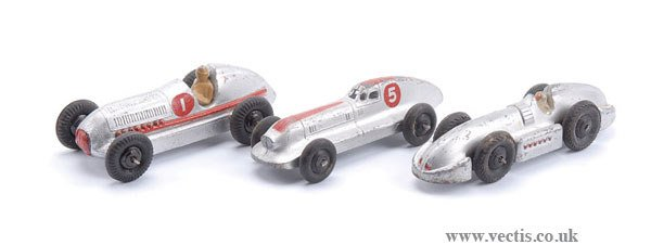 1005: Dinky - A Group of Post-war Racers