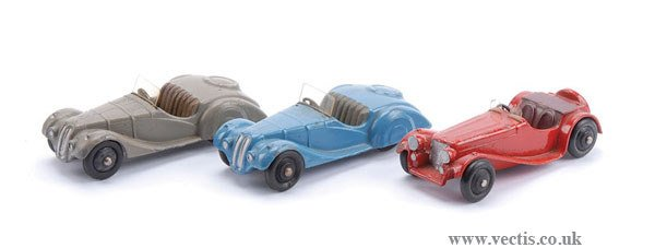 1007: Dinky - A Group of 38 Series Cars