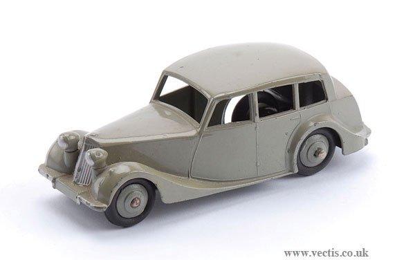 1011: Dinky No.40B Triumph 1800