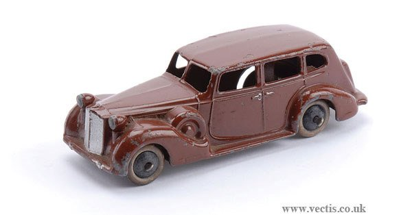 1013: Dinky No.39A Packard