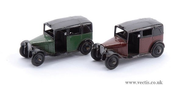 1016: Dinky - A Pair of Post-war Taxis