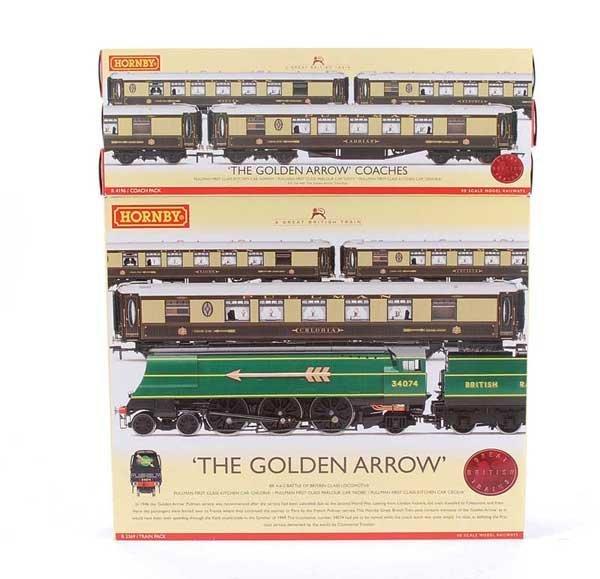 "4008: Hornby R2369 ""The Golden Arrow"" Train Pack"